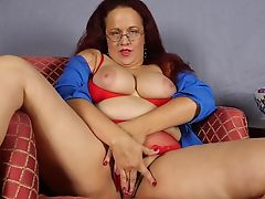 Mature chubby mom with hungry old cunt